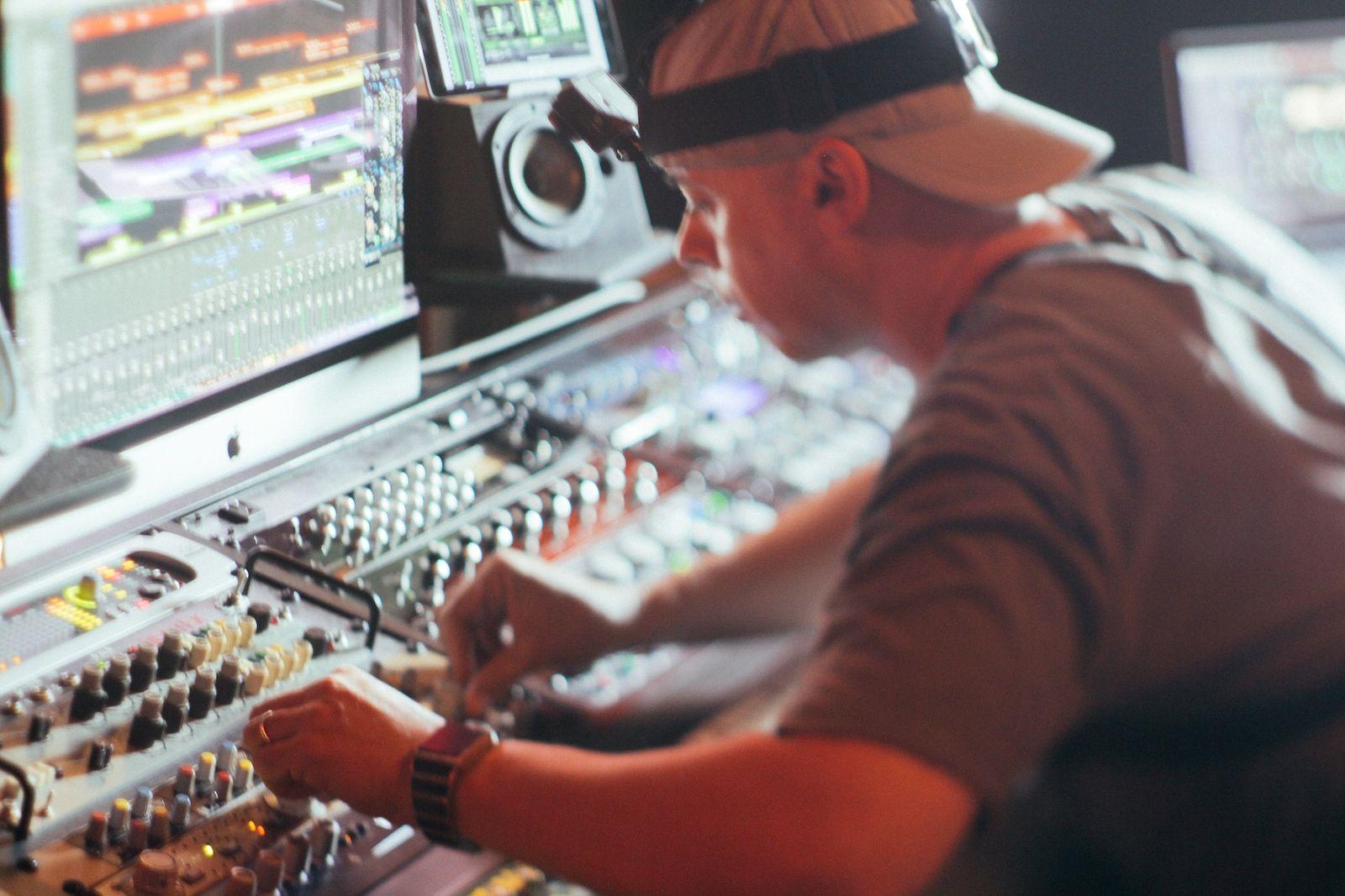 Music Producers POV - Luca Pretolesi - Image 2