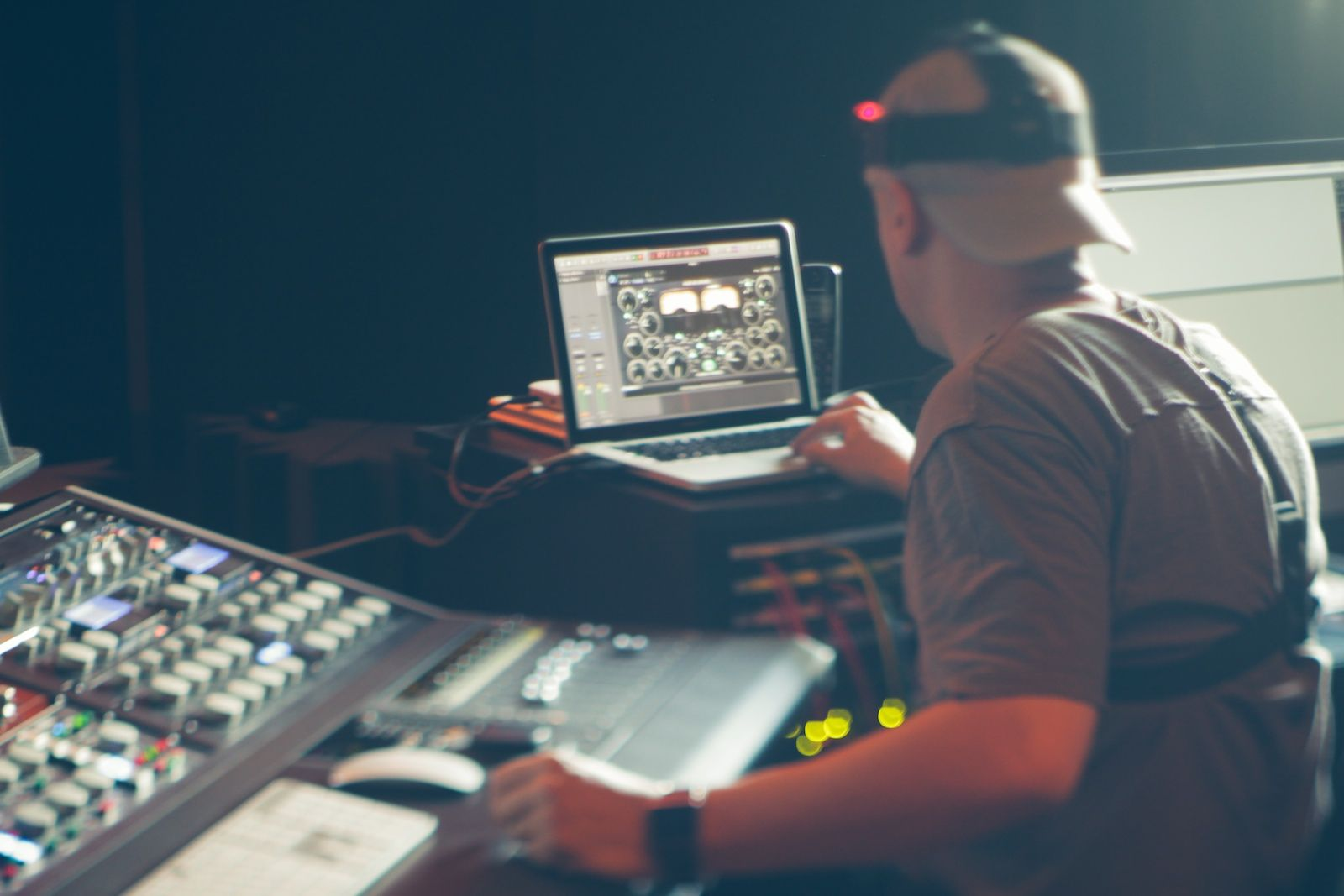 Music Producers POV - Luca Pretolesi - Image 3