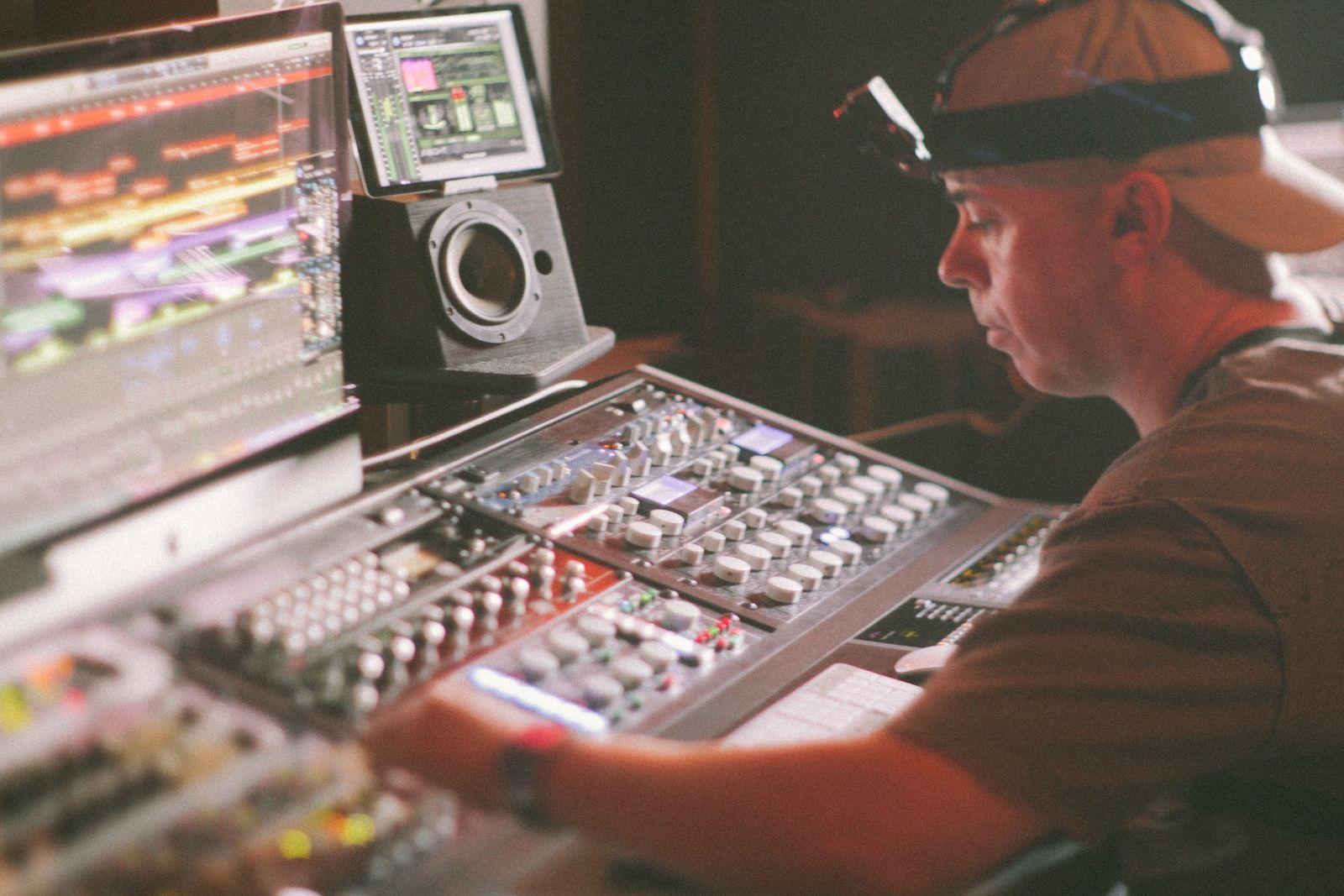 Music Producers POV - Luca Pretolesi - Image 4