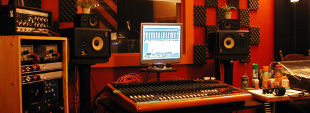 Listing_background_7f183b02_recordingstudio02