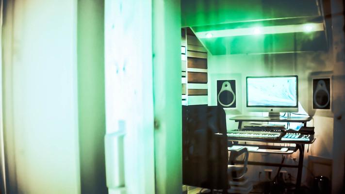 Oversight Entertainment on SoundBetter
