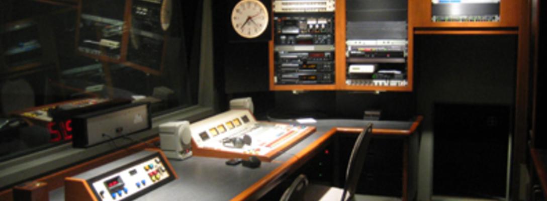 la radio studio on SoundBetter
