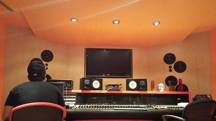 Adrian Romero on SoundBetter