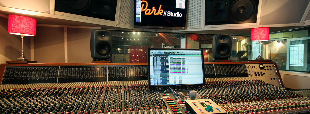 Listing_background_park_studio