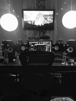 Robeatson Studio on SoundBetter