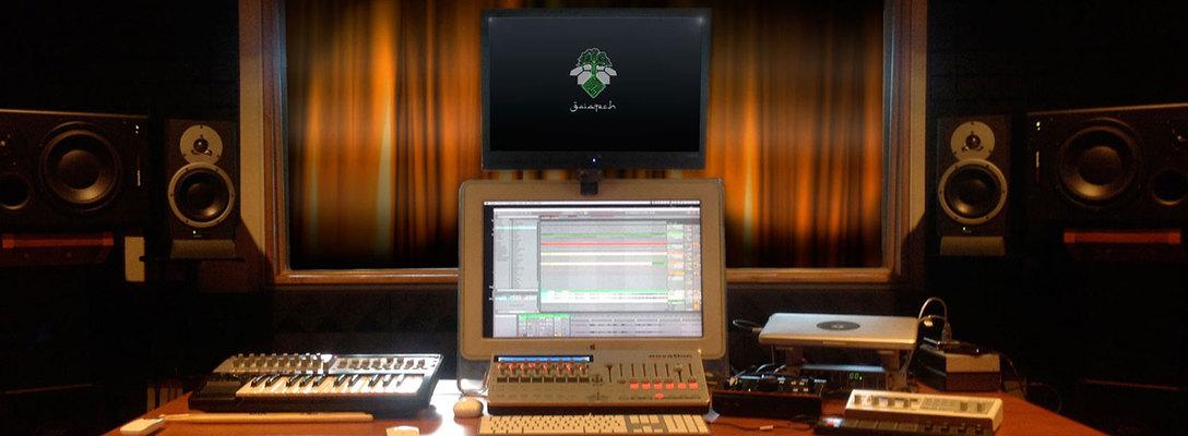 Listing_background_001-studio