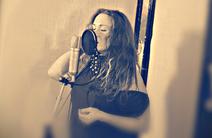 Photo of Caroline Sings