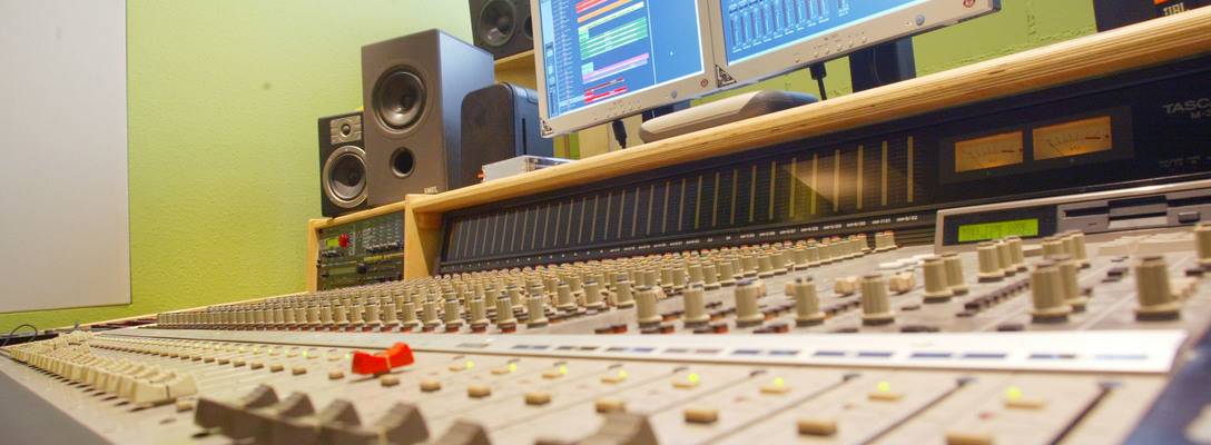 Listing_background_audio_workshop182