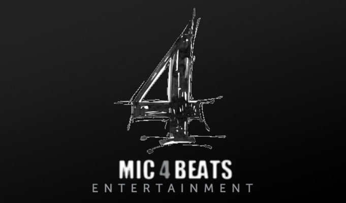 Listing_background_mic_4_beats_logo