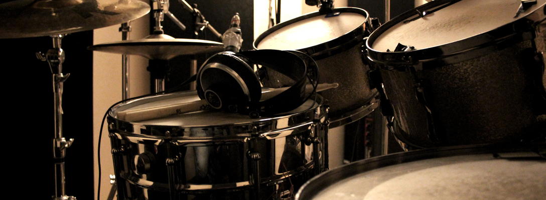 Listing_background_drums
