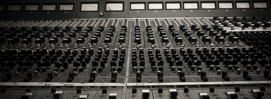 Listing_background_rsz_1mixing_desk