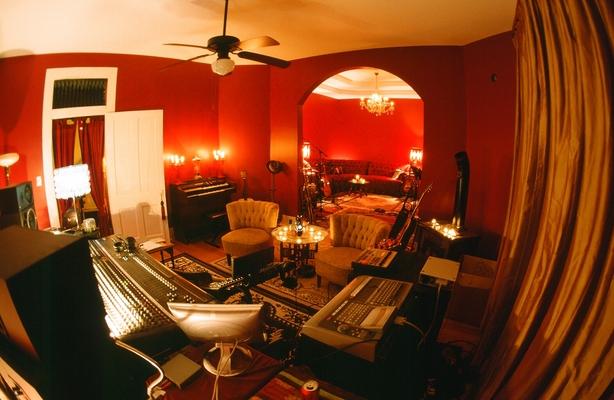 Troubadour Studio on SoundBetter