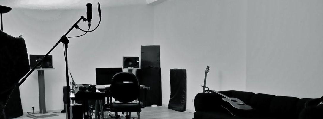 Listing_background_studio_room