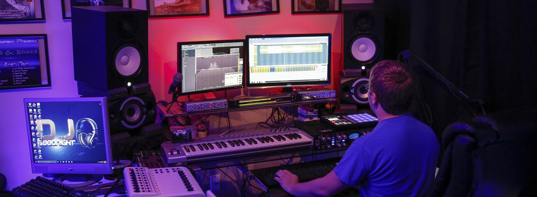 Listing_background_dj_goodnight-9studio