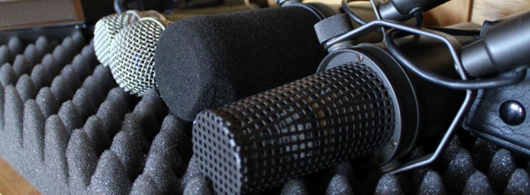 Listing_background_mics