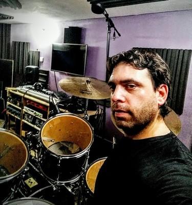 Listing_background_studio