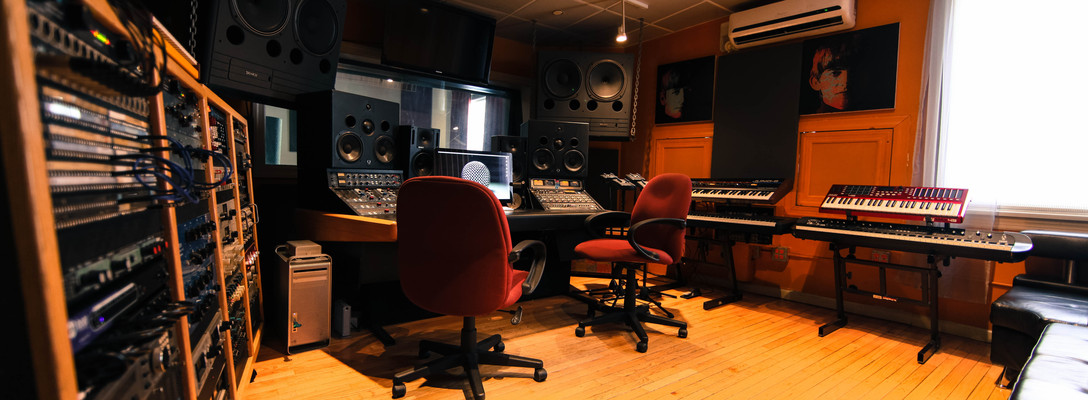 Smash Studios on SoundBetter