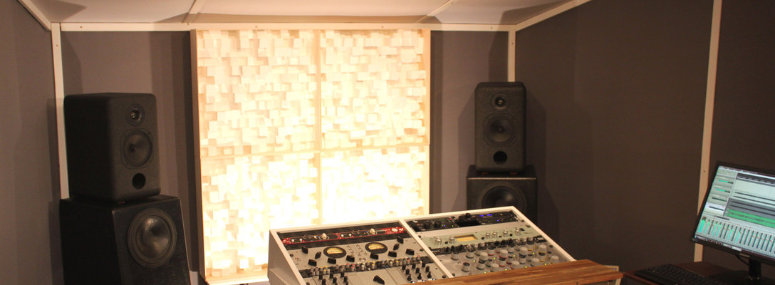 Listing_background_mastering-room01_1920