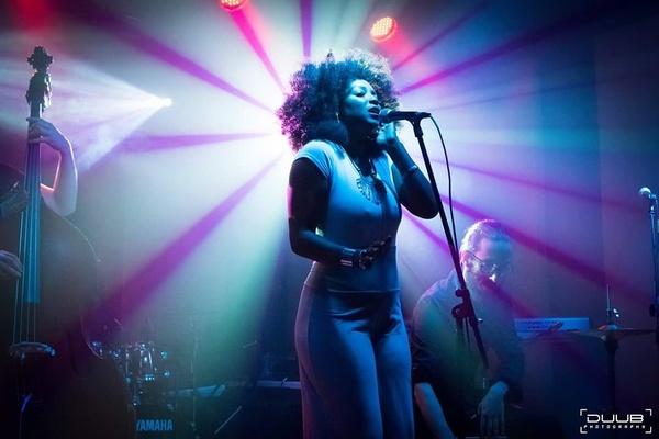 Lola Cole on SoundBetter