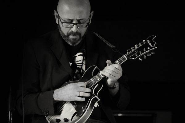 Listing_background_mandolin_blues_promo_3