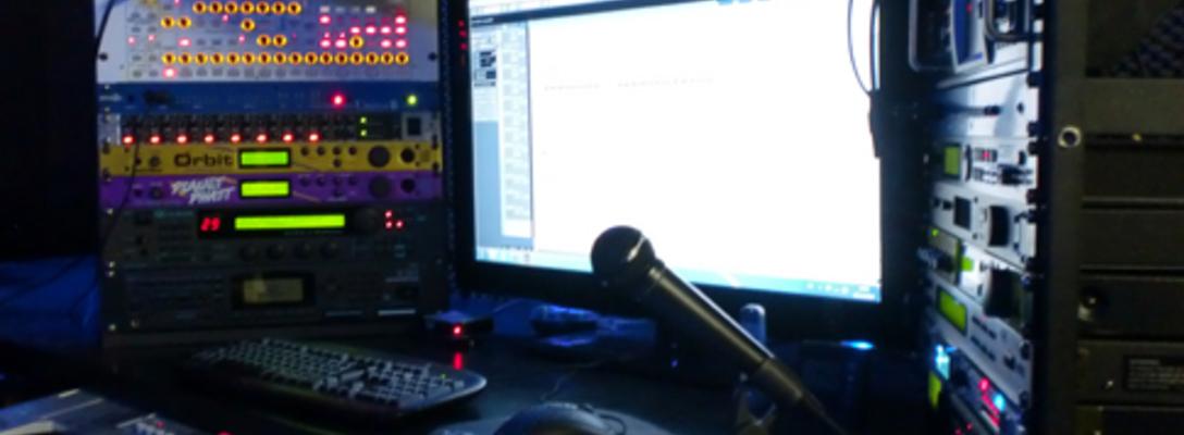 Listing_background_die-zentrale-cockpit-vom-tonstudio