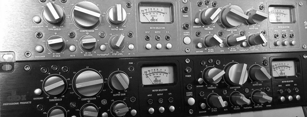 Listing_background_dbx-162-sl-compressor-limiter-stereo-kompressor