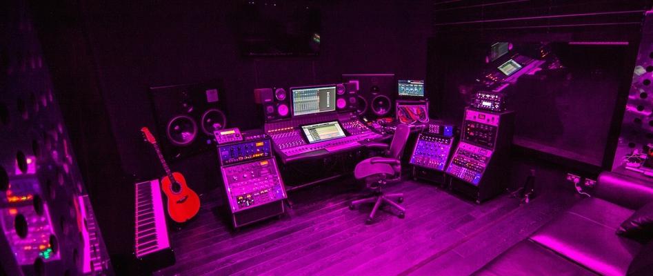 Listing_background_knutsford_studio_purple