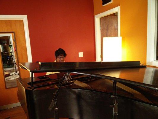 Santosh Baynes on SoundBetter