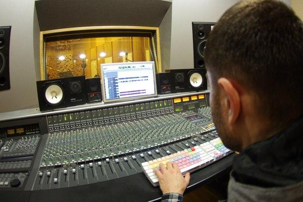 Alex Newgen Media on SoundBetter