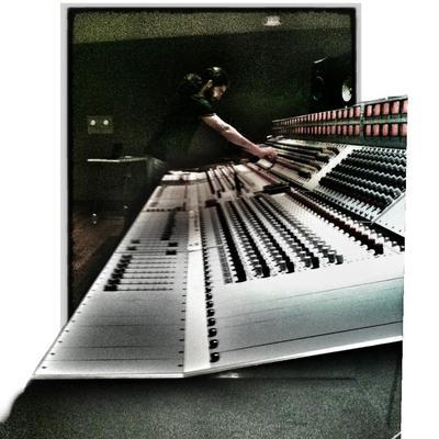 Solidsinewave on SoundBetter