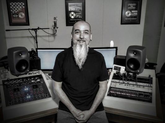 Lampadinha (Lamps) on SoundBetter