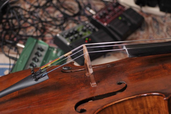 Listing_background_emily_s_cello_in_studio