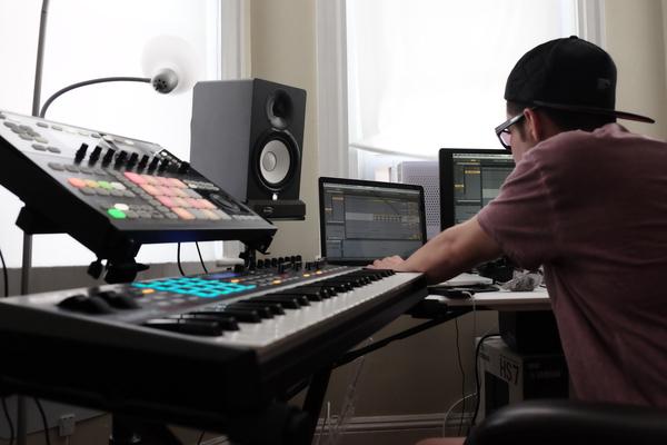 MΛDILLΛC on SoundBetter