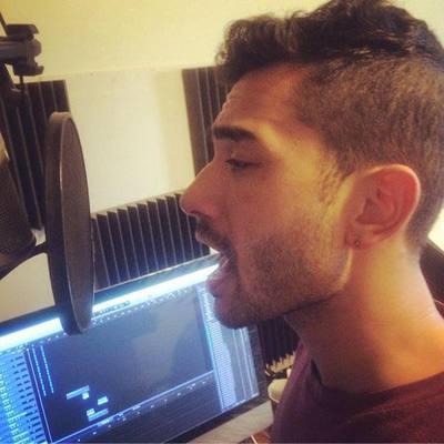Zee DeSongwriter on SoundBetter