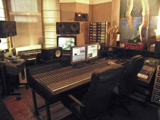 Wolf Studios on SoundBetter