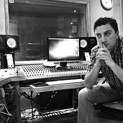Luigi Flores on SoundBetter