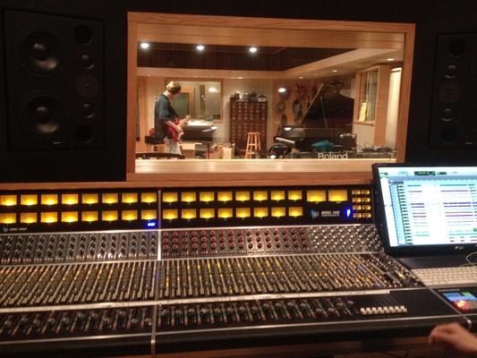 Anthony Hinds on SoundBetter