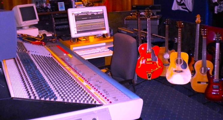 DINO M4 STUDIO Dino Maddalone on SoundBetter