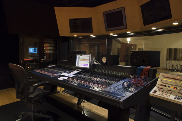 Santito Studio on SoundBetter