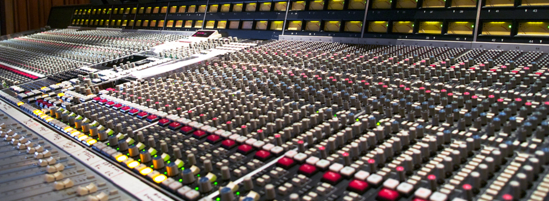 Listing_background_ssl_console_at_henson_s_mixroom__1_