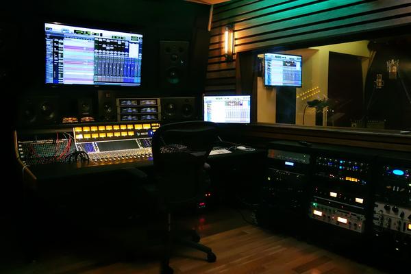 LoLA Music Studios on SoundBetter