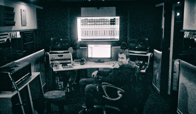 Red Wall Studios on SoundBetter