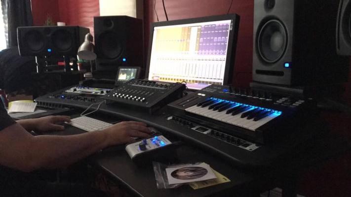 HouseMix Studio on SoundBetter