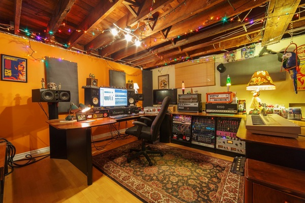 Uplift Recording Studio on SoundBetter