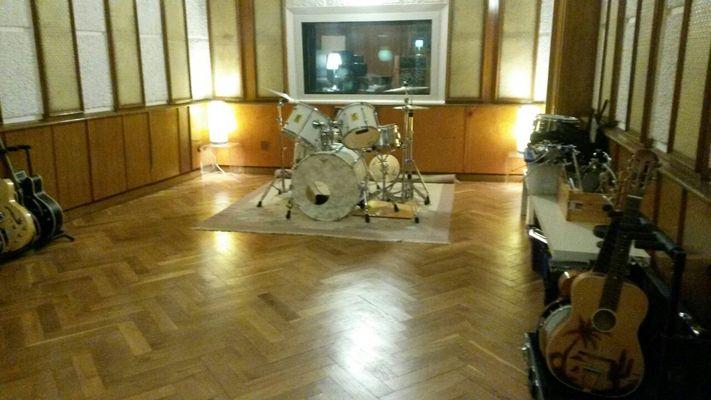 Tricone Studios - Tonstudio on SoundBetter
