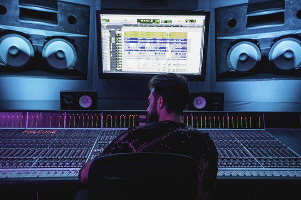 FALCONE on SoundBetter