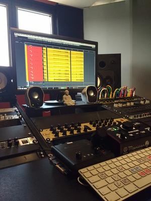 Shiné Studio on SoundBetter