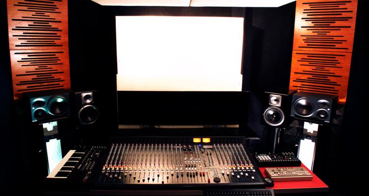 Goldfingers Studio on SoundBetter