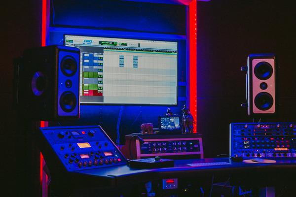 The Living Room LA on SoundBetter