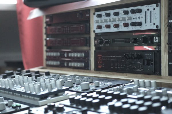 Wanalog Studios on SoundBetter